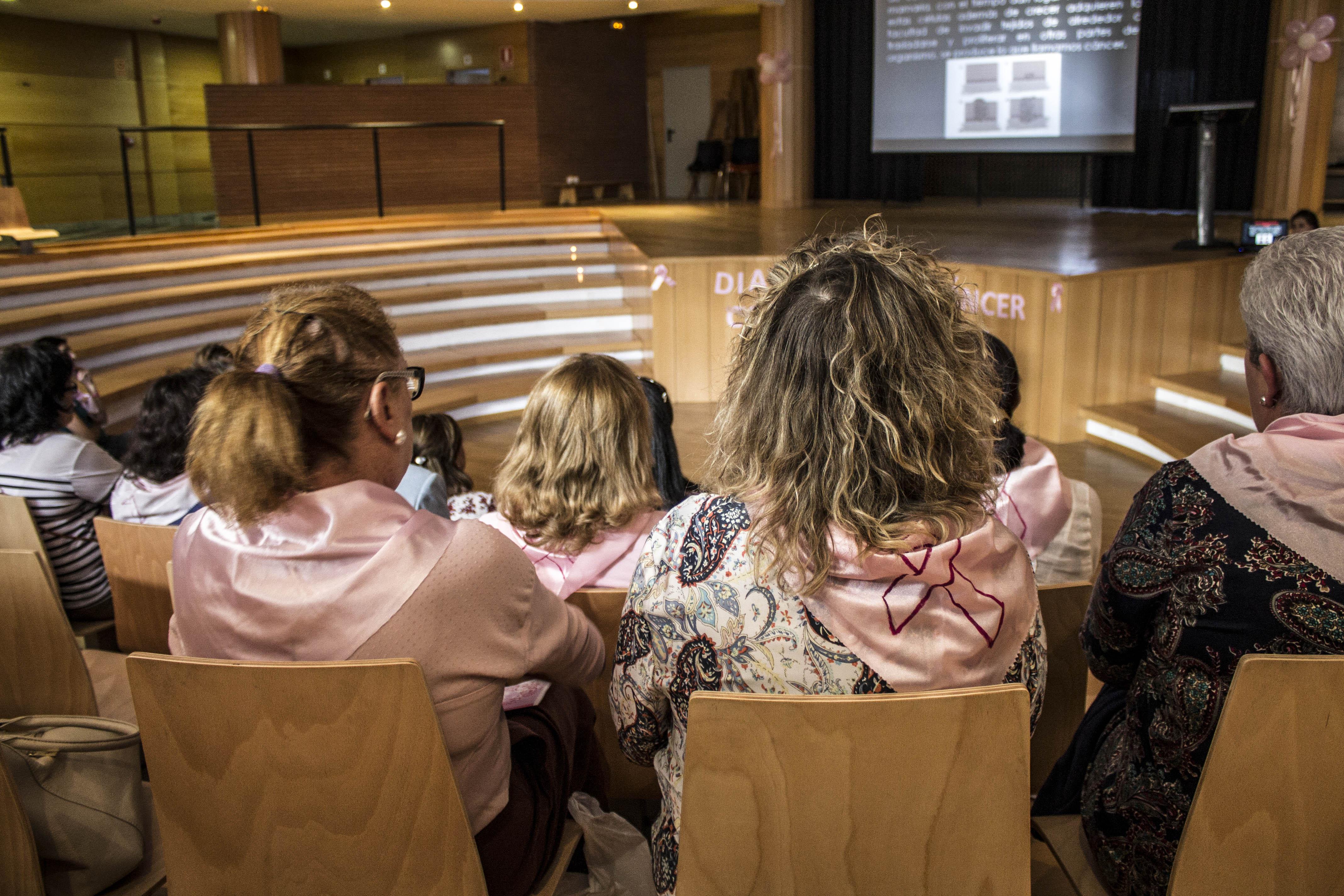 Acto contra el cáncer de mama.