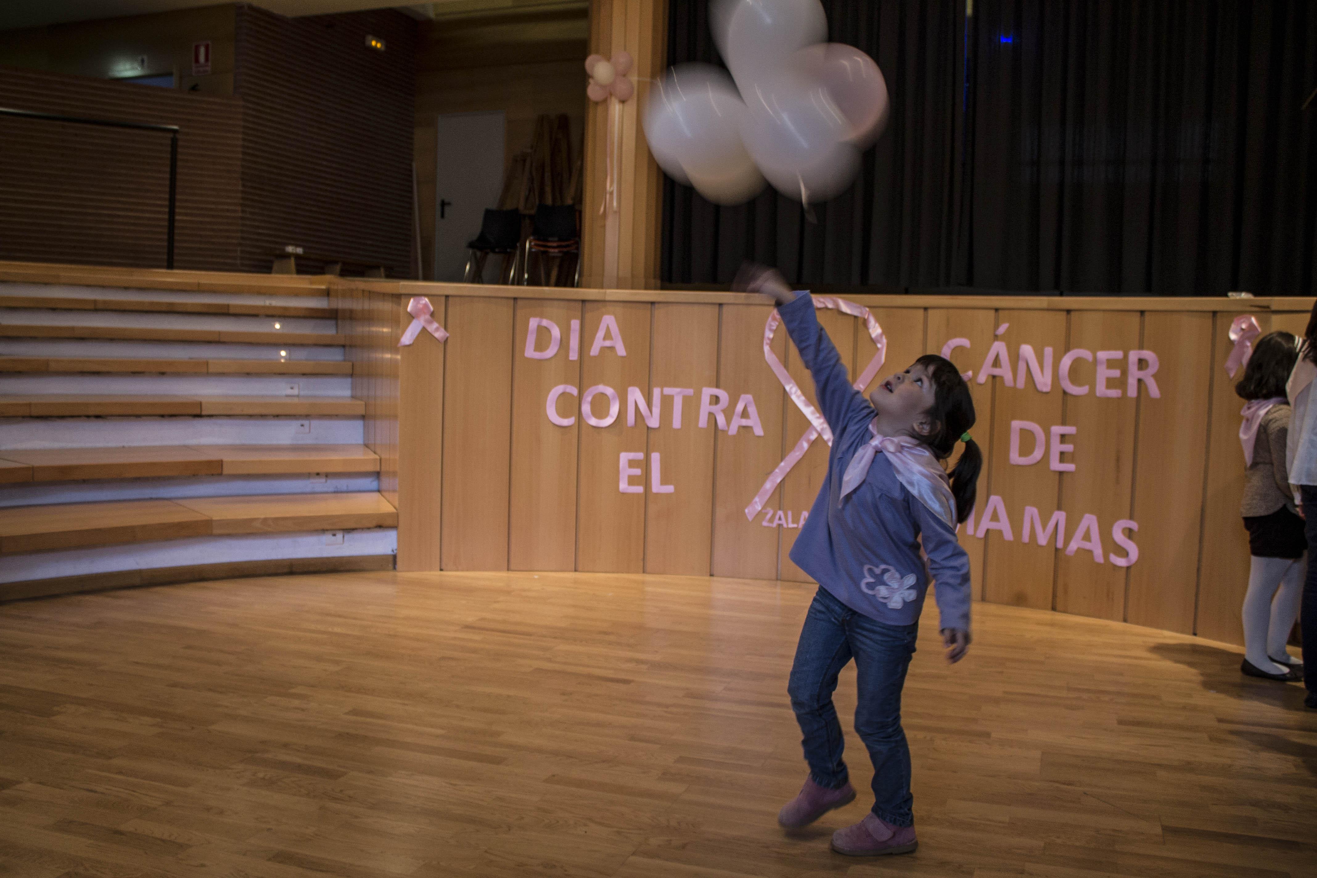 Actividades contra el cáncer de mama.
